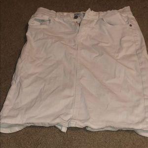 White old navy skirt